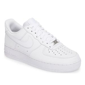 Air Force 1 '07 Sneaker white size 7
